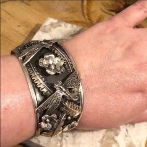 Jewelry - 👏AH MAZING Dragonfly cuff bracelet